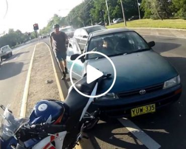 Possibily The Friendliest Car Accident Ever 7