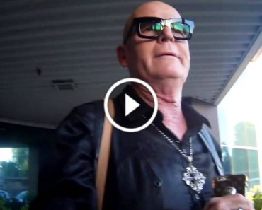Angry Christian Mom Confronts Katy Perry Dad 5