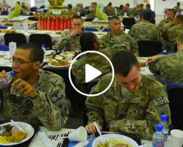 Billionaire Buys Dinner For 400 US Soldiers Traveling At Ireland Airport 8