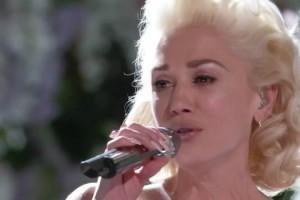 "Gwen Stefani's Emotional ""Voice"" Performance Brings Coaches To Their Feet 11"