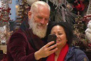 """Fashion Santa"" Turning Heads, Taking Photos At Toronto Mall 10"