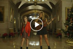 2 Sisters Stand In The Capitol Building And Start To Sing. Their Take On This Song Is Haunting 10