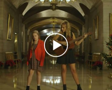 2 Sisters Stand In The Capitol Building And Start To Sing. Their Take On This Song Is Haunting 2
