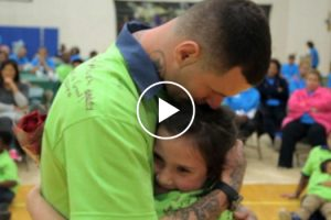 Emotional Stories Of Kids Going Behind Bars To Meet Their Incarcerated Fathers 11