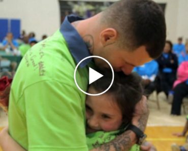 Emotional Stories Of Kids Going Behind Bars To Meet Their Incarcerated Fathers 7
