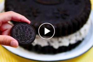 Here Is The Giant Oreo Cookie Cake Recipe You've Been Looking For 11