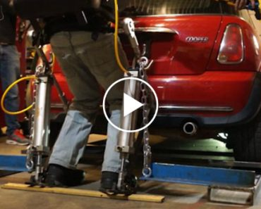 Guy Lifts a Mini Cooper With His Homemade Exoskeleton 2