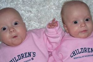 Mom Gives Birth To Twin Baby Girls. 2 Months Later, Doctors Look At Their Bellies And See It... 11