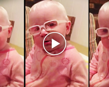 """Baby Sees For The First Time. When Mom Sings """"Amazing Grace"""", Her Reaction Choked Me Up. 3"""