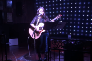 Talented Singer Blows a Whitney Classic To a Near Empty Bar. Please Someone Sign Her! 12