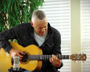 """This Acoustic Rendition Of """"Somewhere Over The Rainbow"""" Is Absolutely Magical 3"""