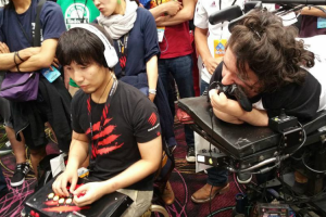 Meet BrolyLegs, The Competitive Street Fighter Player Who Fights With His Mouth 11
