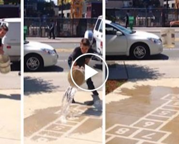 This Artist Creates Water-Activated Street Art To Keep People Smiling On Rainy Days 4