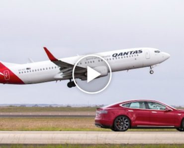 Who Would Win In a Race Between a Boeing 737 And a Tesla Model S On Ludicrous Mode? 2