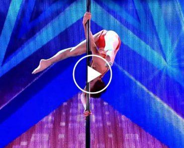 "Bikini-Clad 70-Year-Old Woman Stuns In Pole Dancing Performance On ""Italia's Got Talent"" 6"