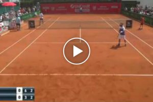 Tennis Player Gets Fed Up With Opponent's Grunting And Loses Point By Mocking Him 12