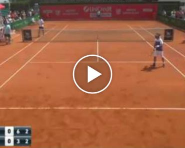 Tennis Player Gets Fed Up With Opponent's Grunting And Loses Point By Mocking Him 1