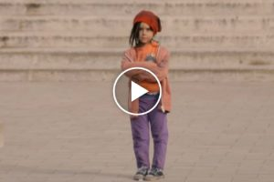 Would You Stop If You Saw This Little Girl On The Street? 10