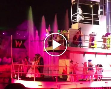 Goofy Saves Dopey From Falling Off a Boat at Disney World During the Fantasmic Show 7