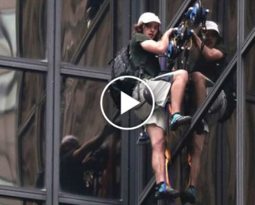 Man Climbs Trump Tower In New York City Using Suction Cups 4