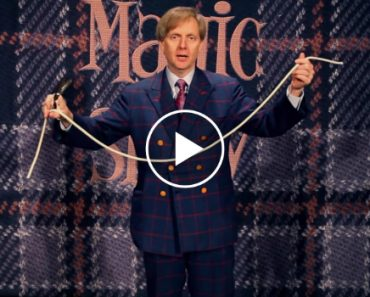 Las Vegas Magician Mac King Will Blow You Away With This Trick 7