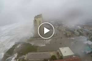 Dramatic Time Lapse Shows Hurricane Matthew Slam Jacksonville Beach 12