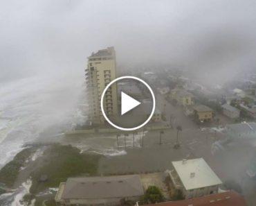 Dramatic Time Lapse Shows Hurricane Matthew Slam Jacksonville Beach 6