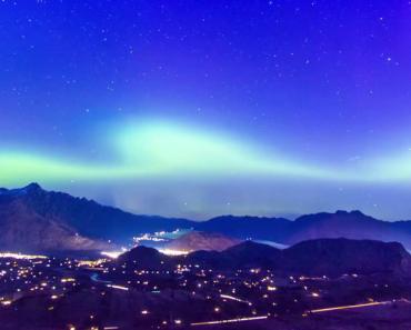 Stunning Aurora Australis Shines Over Queenstown 3