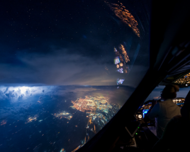 747 Pilot Takes Stunning Photos From His Cockpit, Proves That Pilots Have The Best Office Views In The World 8