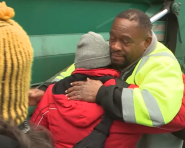 Garbage Man Finds a Homeless Family Living Behind a Dumpster, What He Does Is Priceless!! 4