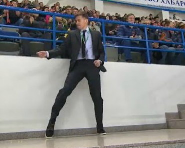 Dancing Security Guard Throws Shapes At Russian Ice Hockey Game 6