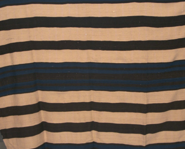 Man Finds Out His Old Blanket Is Worth a Fortune 2