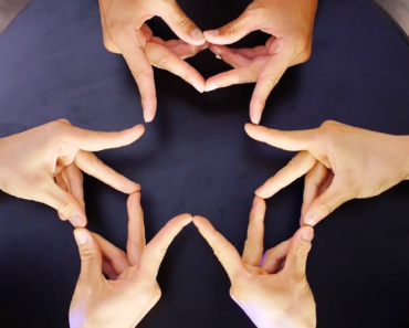 Japanese Dance Crew Trio Turns Their 30 Fingers Into a Hypnotic Finger Kaleidoscope 9