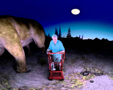 Walk With World's Largest Dinosaur And Sir Attenborough In This 360 VR Video 3