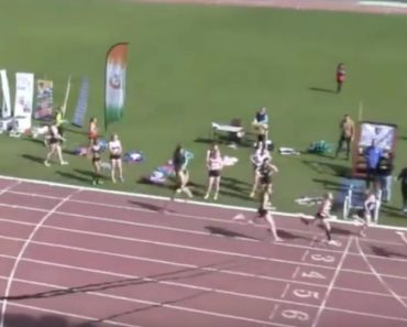"""Commentator Loses It As Runner Makes Stunning Comeback From """"Depths of Hell"""" 1"""