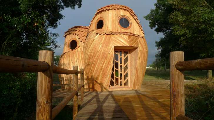 You Can Sleep In These Owl-Shaped Cabins In Bordeaux, France For Free 1