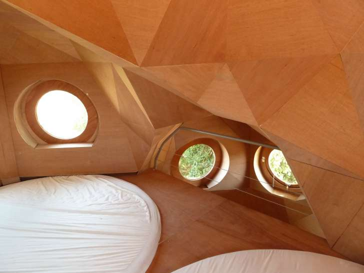 You Can Sleep In These Owl-Shaped Cabins In Bordeaux, France For Free 3
