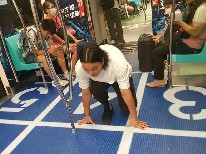 Taiwan Surprises Passengers By Turning Subway Cars Into Different Sport Venues For Upcoming Universiade 6