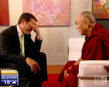 Pizza Joke Falls Flat With Dalai Lama 6