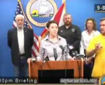 Here's What The Fake Sign Language Interpreter Said During The Irma Announcement 3