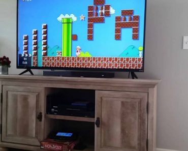 She Thought She Was Just Playing Super Mario, But Instead, He Was Proposing To Her 7
