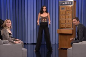 Watch Gal Gadot And Miley Cyrus Battle It Out In Charades On The Tonight Show 11