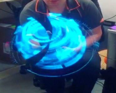 Mesmerizing Handheld Holograph Generator 1
