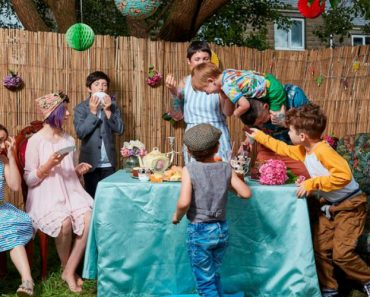 Meet The Parents Whose Raise Their Children 'Without Rules' 2