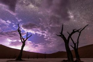 This Jaw Dropping Timelapse of the Night Sky Has It All 10