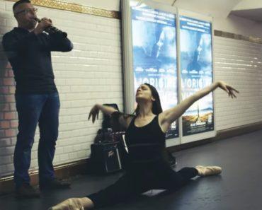 Parisian Dancers Surprise Subway Musicians By Joining Them 9
