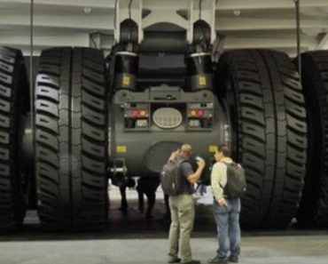 The Largest Dump Truck in the World 7