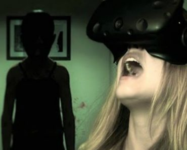 How Scary Is The Paranormal Activity VR Game? Experience It Here Now 8