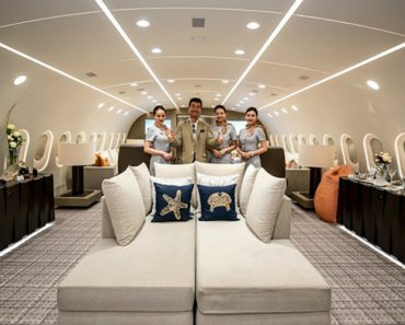 An Inside Look At The World's Only Private Boeing 787 Dreamliner Jumbo Jet 3