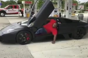 Guy With Brand New Lamborghini Realizes He Made A Terrible Decision 11